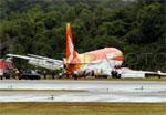Adam Air KI-292 tregelincir di Bandara Hang Nadim