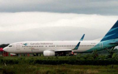 Pesawat Garuda Mendarat Darurat di Makasar