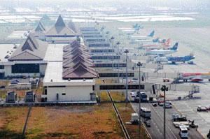 Kemenhub Peringatkan Penerbangan Waspada Abu Bromo